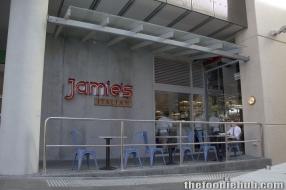 Jamie's Italian, Wellington Street approach