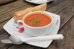 Roasted capsicum and chorizo soup 3
